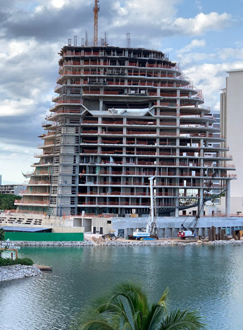 Shark Tower Cancún 5